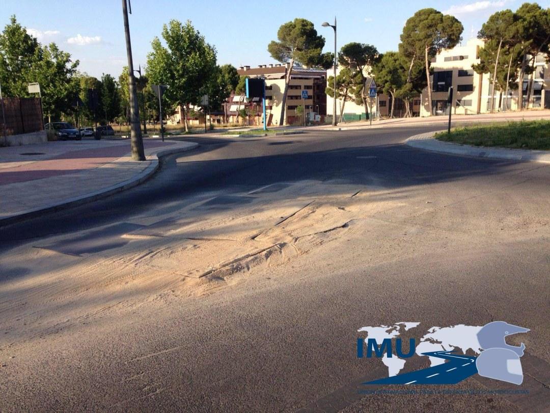 Obstaculo calzada Aranjuez.jpg