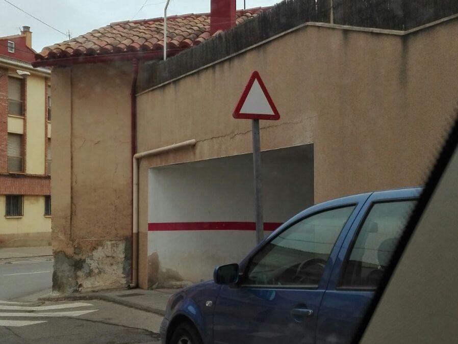 Denunciado el ayuntamiento de Teruel por poner el Ceda el Paso al revés.
