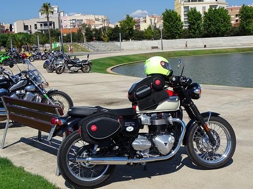 La apuesta de Amposta… mujer y motos.