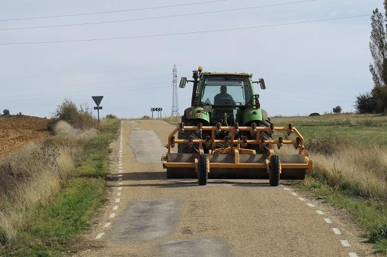 54 años incumpliendo la anchura de las carreteras…