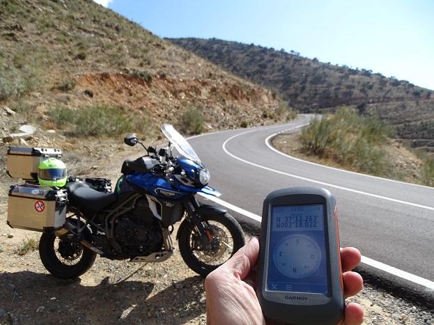 Carretera ilegal AL4100 en Almería. Denunciada