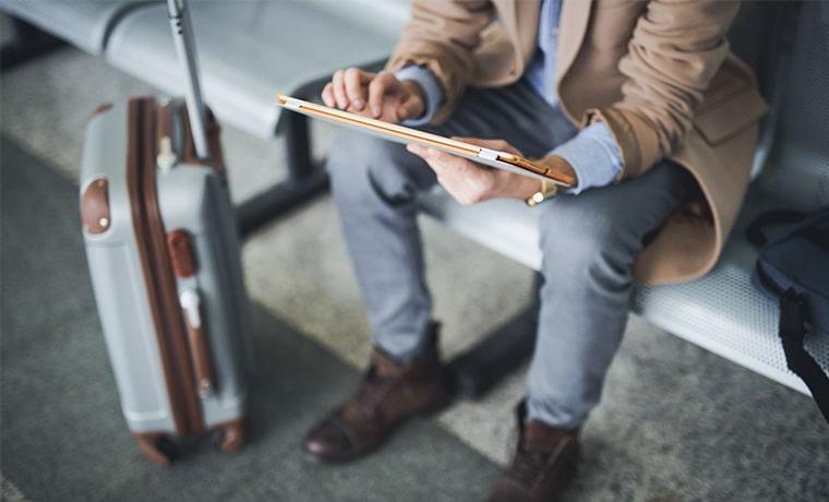 contratar seguro viagem pelo tablet