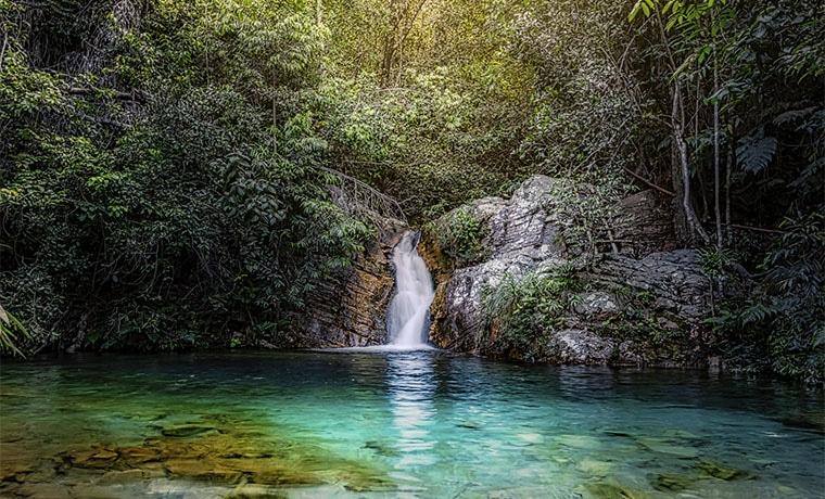 melhor seguro viagem Brasil cachoeira