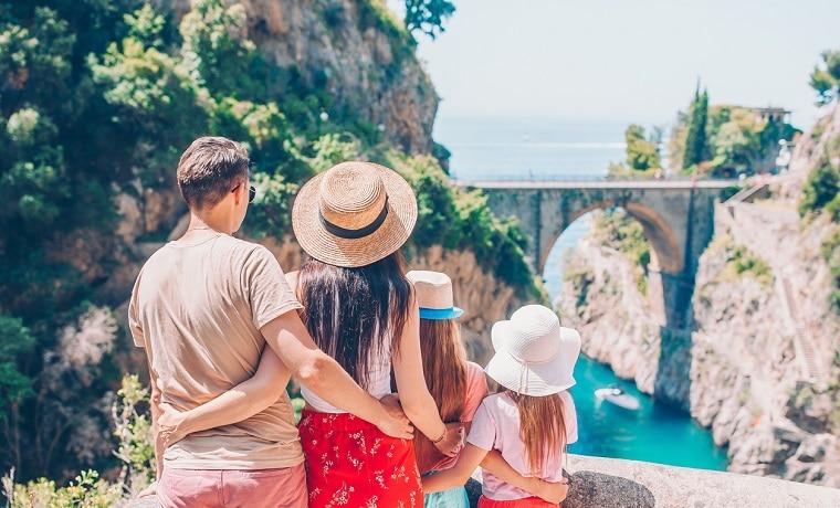 melhor seguro para viagem em família