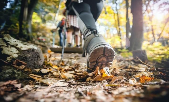seguro viagem esportes caminhada