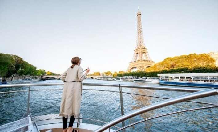 Turista em Paris