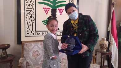 Photo of القومي للطفولة ينصب الطفلة رحمة البدراوي سفيرة للإصرار