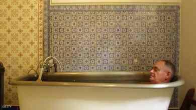 Photo of طبيب مناعة ينصح بالإستحمام لمواجهة الموجة الحارة فى الصيام