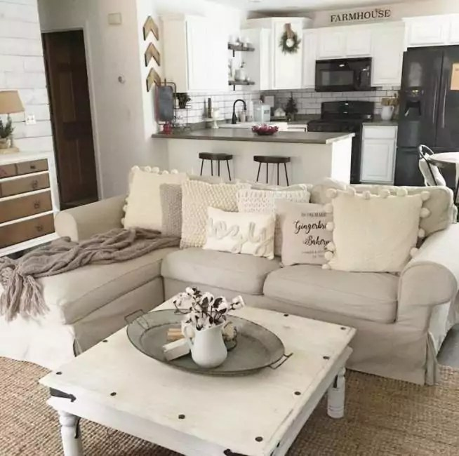 25+ Cozy Apartment Decorating on Budget for Small ... on Apartment Decor Ideas On A Budget  id=41503