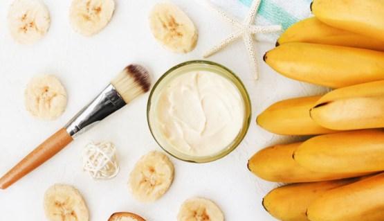 ماسك الموز، الحليب والعسل خلطة لشد الوجه في يوم إلى شهر
