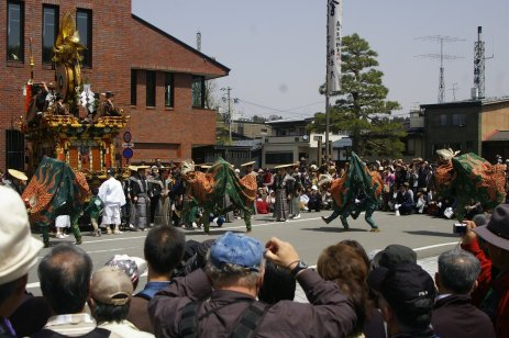 Takayama Matsuri - Drachentanz