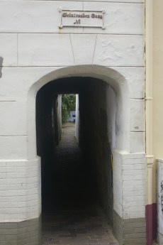 "Passage to the ""Ganghäuser"""
