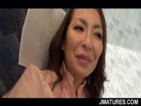熟年夫婦でセックスレスな五十路熟女が不倫温泉旅行で個人撮影してるオバチャンノ-パン