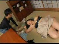 ひとりh中に寝てしまったおばさんの爆にゅうを弄る熟年夫婦生活動画