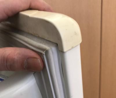 冷蔵庫のドアパッキン