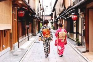 京都の街を散策する