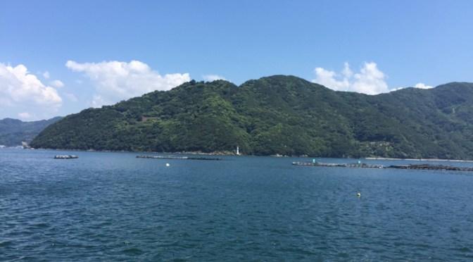 日本の迷信 お盆に海で泳ぐと海中に引きずり込まれる!
