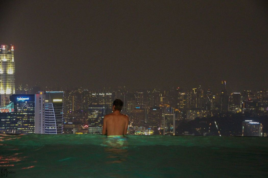 7 Infinity Pool Marina Bay Sands night