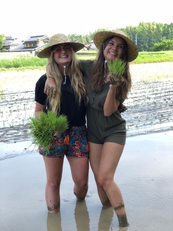 Muddy maidens