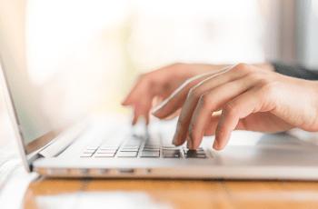 Orientação psicológica online: como funciona? Entrevista com Camila Wolf