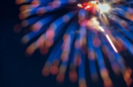 川崎市の多摩川花火大会の日程は?有料席や混雑回避の方法も紹介!