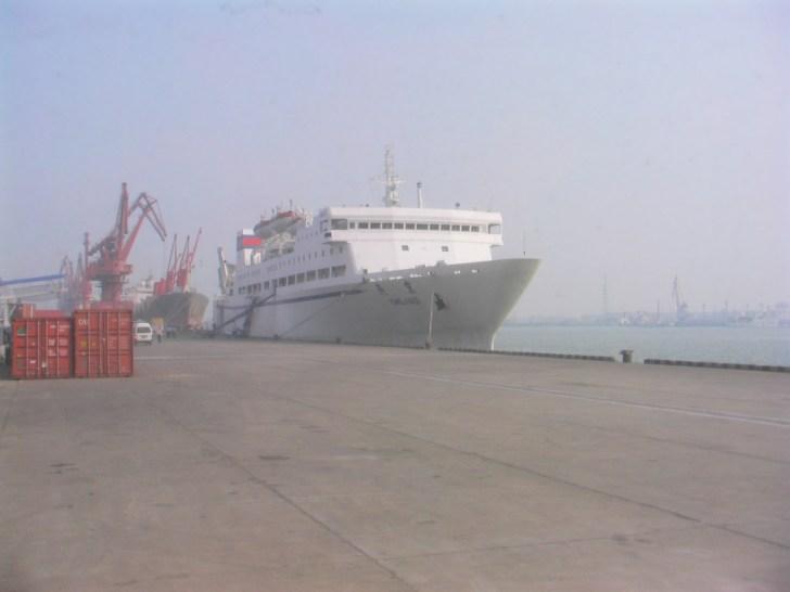 神戸から天津行きの船(燕京号)