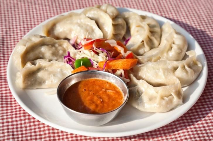 ネパール名物モモ 日本で言う餃子のような食べ物