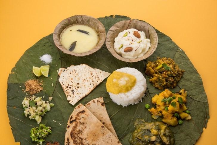 ワンプレートに乗って出てきたインドの家庭料理