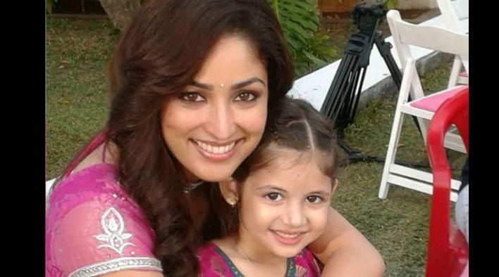 Bajrangi Bhaijaan Harshaali Malhotra Child Girl Actress Bio Mother Family Pictures With Salman 03
