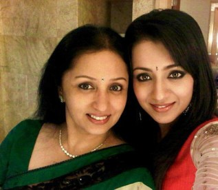 Trisha Krishnan  and her mother pictures