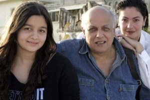 Alia Bhatt Sister Pooja Bhat and Father Bhatt