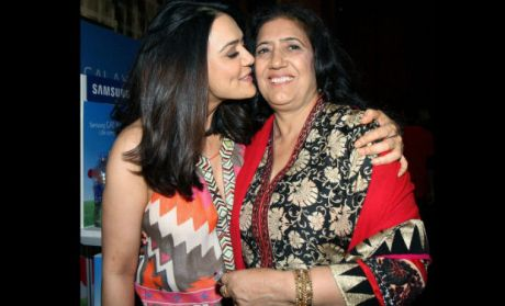 Preity Zinta With Mother