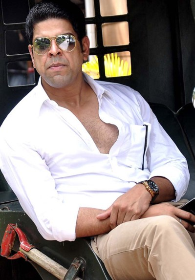 Murli Sharma Wife Name, Family Pictures, Father, Mother, Biography