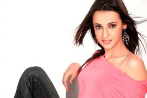 Sanaya Irani Family Background, Husband, Father And Mother, Age