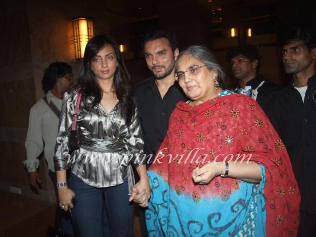 Sohail Khan Family Photo, Wife, Son, Father And Mother ...