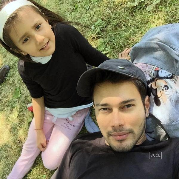 rajniesh duggall family photos wife age height daughter