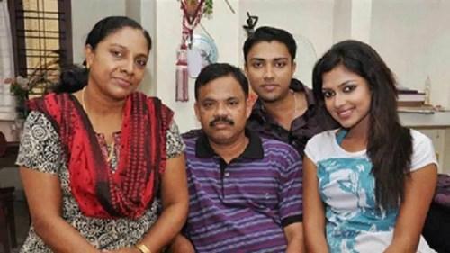 Amala Paul Family Photo, Husband, Biography,  Height
