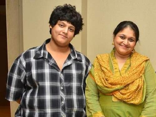 Supriya Pathak Family Photos, Daughter, Son, Age