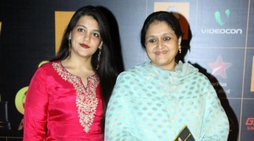 Supriya Pathak Family Photos, Husband, Daughter,  Age