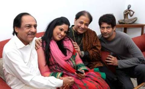 Richa Sharma Family Photos, Father, Husband, Daughter, Age, Biography