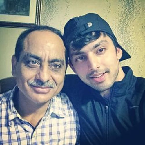 Himansh Kohli Family Photos, Mother, Father, Wife, Height, Biography