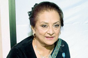 Saira Banu Family Photos, Husband, Mother, Son, Daughter, Age, Biography