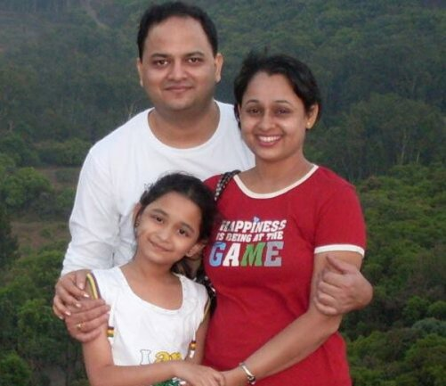 Sonalika Joshi Family Photos, Husband, Daughter, Father, Height, Bio