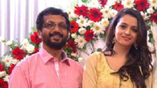 Karthika Menon Bhavana Family Photos, Father, Mother, Age, Height, Bio