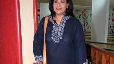 Mona Ambegaonkar Family Photos, Husband, Daughter, Parents, Age, Height, Bio