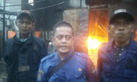Pabrik Plastik di Kabupaten Tangerang Terbakar Hebat