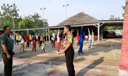 Peringati Sumpah Pemuda, Tiga Pilar Kelurahan Bugel Ikuti Senam Bersama Warga