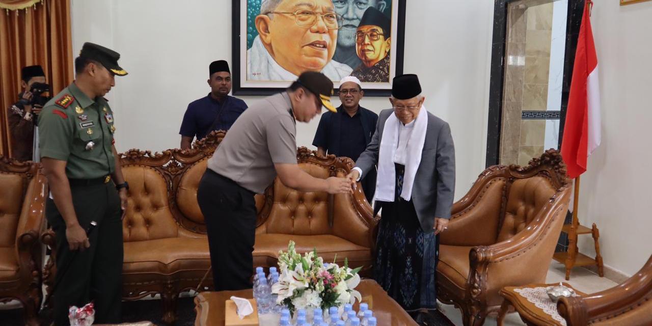 Bersama Danrem 064/MY, Kapolda Banten Sambut Kedatangan Wapres