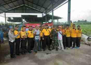 Sekilasmalang.com, Foto : Kapolres Kediri bersama anggota saat Peringatan Hari Sampah.