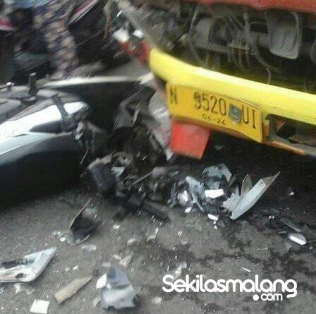 Pengendara Motor tewas tersasak truk